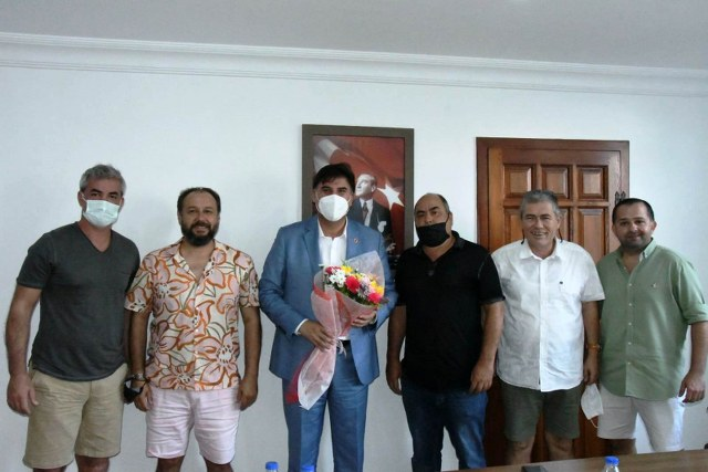 Sahil Bandı Esnaflarından Başkan Karaca'ya Teşekkür Ziyareti